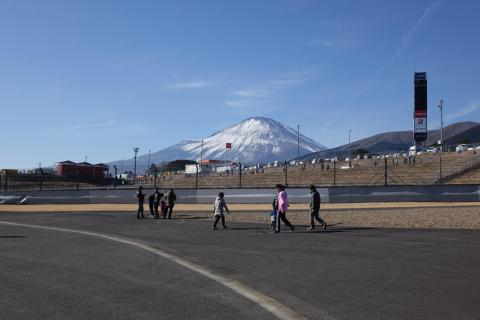 年々雪が少なくなっている気がする富士山