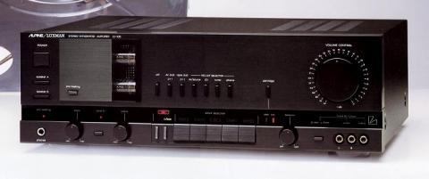 ▲独創的なデザインが高く評価されたLV-105