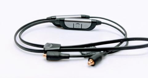 高音質かつ低遅延コーデックを実現した「aptX(R)テクノロジー」の採用で、フルレゾーリューションサウンドをワイヤレスでお楽しみいただけます