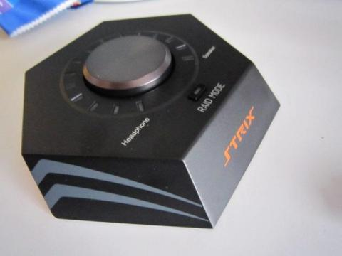 手元で音量の操作を行えるコントロールボックス
