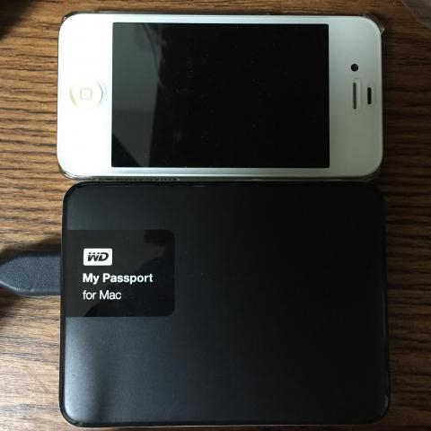 iPhone4sとの大きさ比較