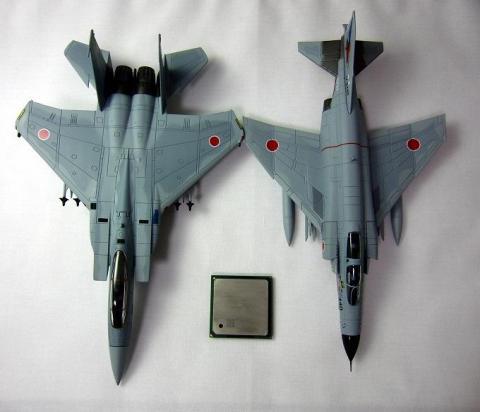ディアゴステーニF-15Jと比較