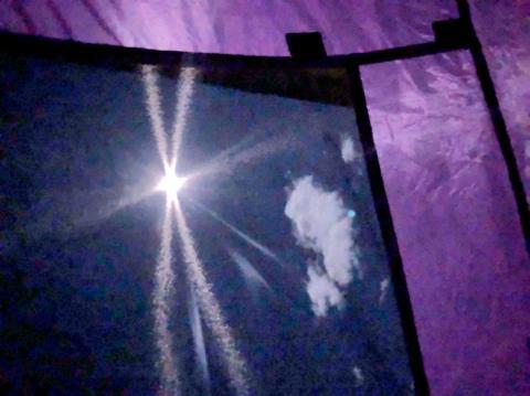 テントから見た満月