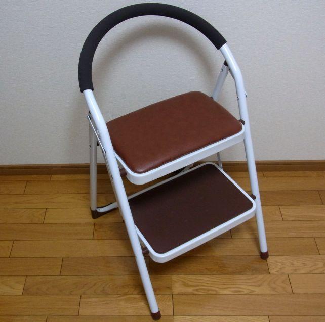 パッと見、けっこう椅子っぽい