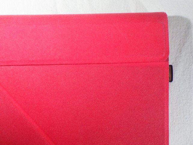 Windows Tablet Limited Edition IIのカバーが本体より大きいので、最終飛び出し量はこんなモン