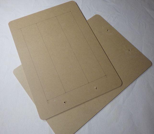 クリップ部分は引きちぎって単なるMDF板として利用(ホームセンターで素材で買うより安い)