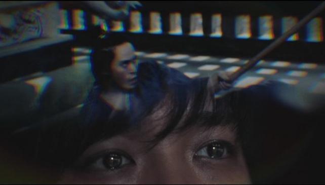スキマスイッチの二人が映画を観ている設定