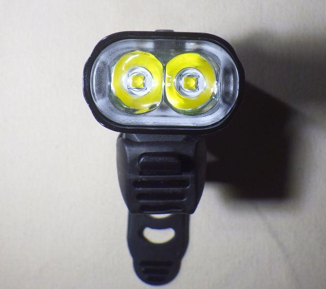 LEDは2灯式