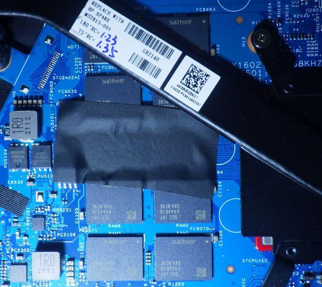 メモリはオンボードで増設不可