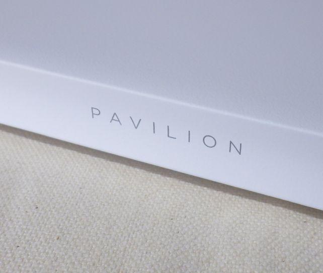 閉じたときには、ヒンジ部分に「PAVILION」のペットネームが