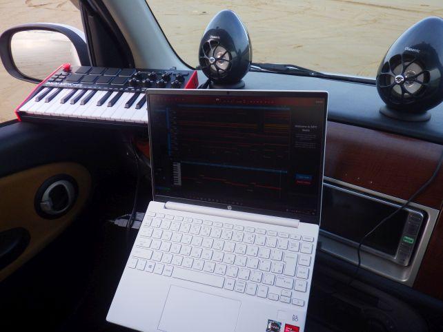 DAWソフト、プラグインを多数開いたMPC Beatsを展開しても処理能力は余裕