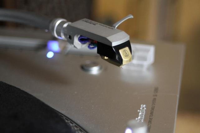 ▲EF 28-80mm F2.8-4L 70mm 1/20 F4 ISO2000で撮影