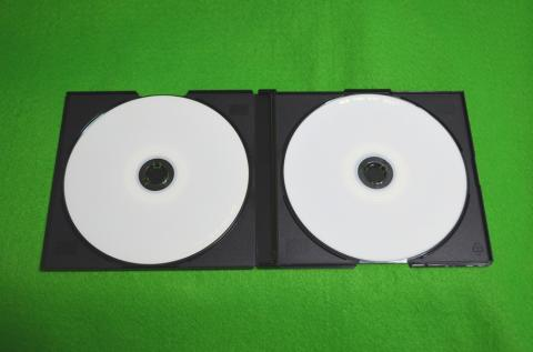 レビューメディア「ジグソー」2枚組CD-R    ケース付きです
