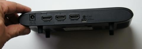 送信機には受信機と同じポート+入力用HDMIが2系統あります。