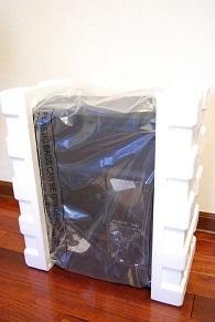 箱から出したら、ビニールに包まれ、緩衝材で保護してあります