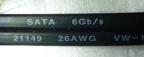 「ASUS P8Z68-V PRO/GEN3」添付のSATA 6Gbps対応ケーブルを流用