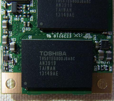 TOSHIBA製のNAND