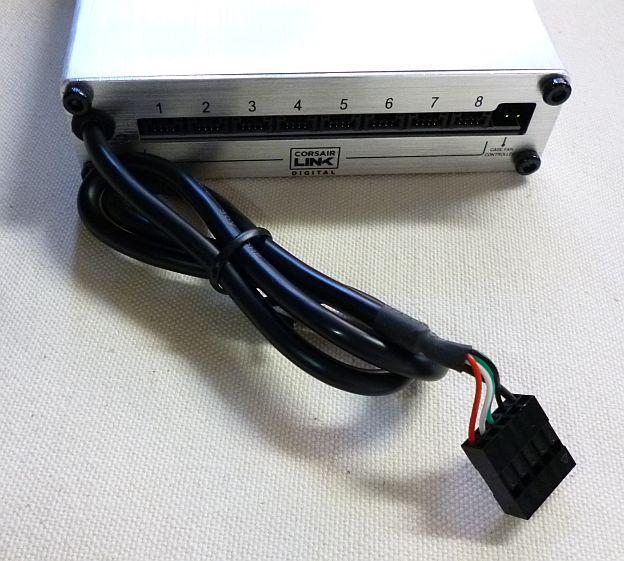 USB2.0ヘッダに接続する。