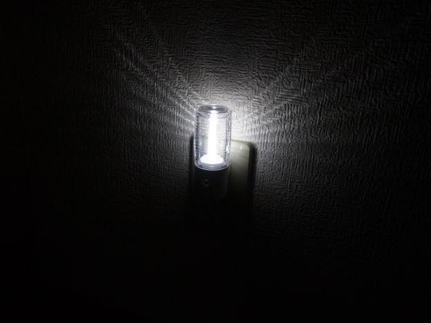 中心部は明るいけれど、周辺までの遠達力はやや弱い。