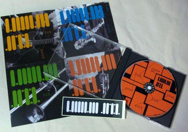 CDは特典ステッカー付き!w