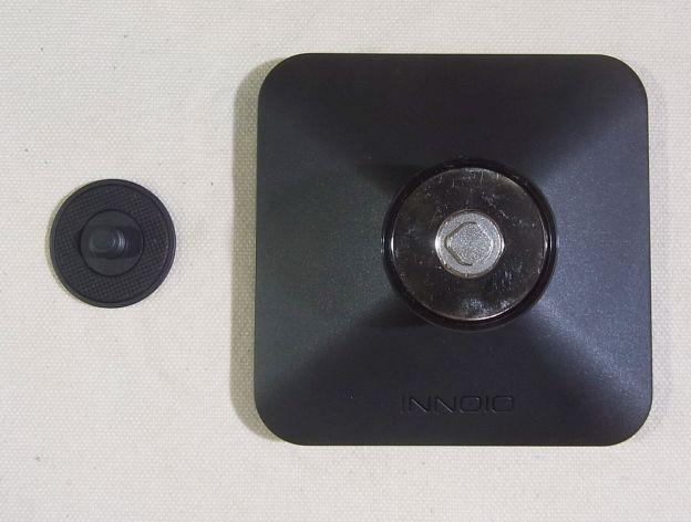 専用スタンドAXJA10は2部品からなる