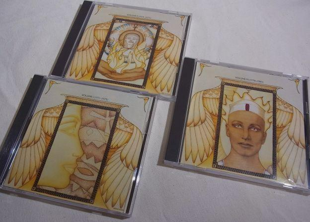 この3枚にはリリース年順に曲が収められている。