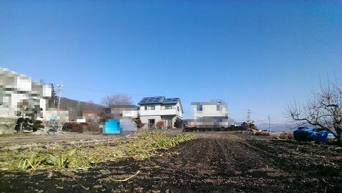 我が家の遠景です、太陽光発電装備済み