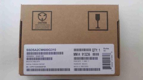 「Intel SSD 320」600GB外箱1