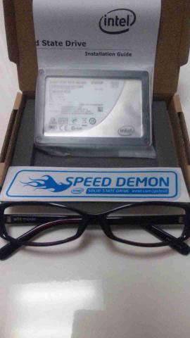 「Intel SSD 320」600GB中身2