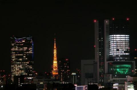約7キロ離れたところから撮った夜の東京タワー