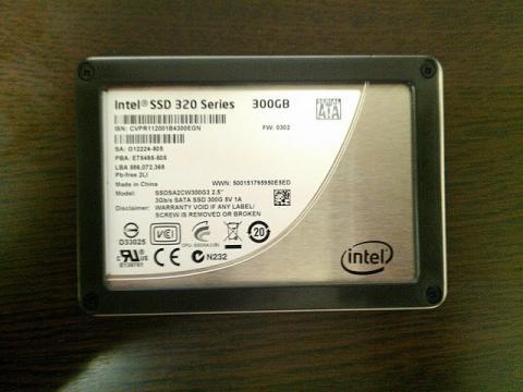 Intel 320シリーズ 300GB