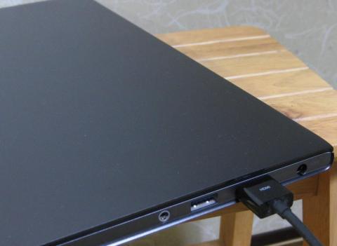 IdeaPad U300sのHDMI接続