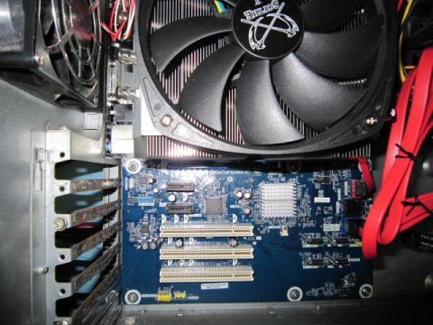しかし、GPU用のPCI-Ex(x16)が潰れます