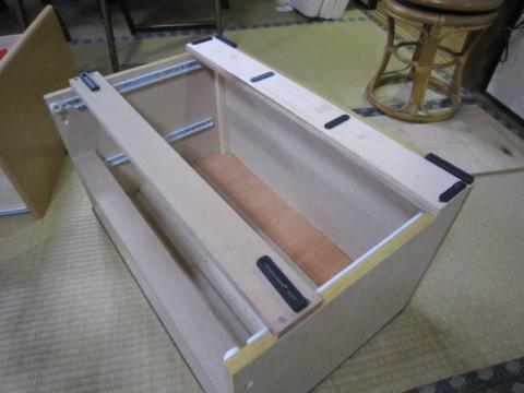 天板裏をベニヤで補強&木口テープ処理