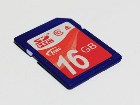 TEAM SDカード SDHC CLASS10 16GB TG016G0SD28X