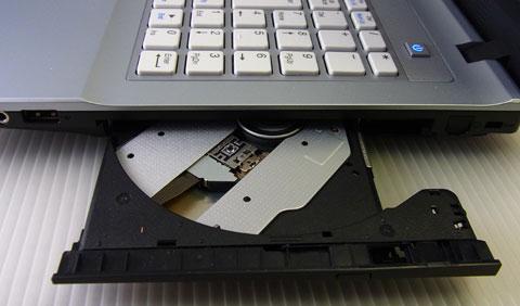 右側面:DVD・USB*1・オーディオ系 端にモデム用パターン