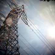 ワイドレンズで公園近くの鉄塔撮影