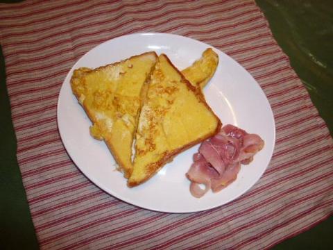 玉子 牛乳(ベーコン 食パン)でフレンチトースト