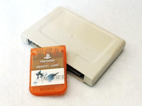 このPSのメモリーカードの色がわからない