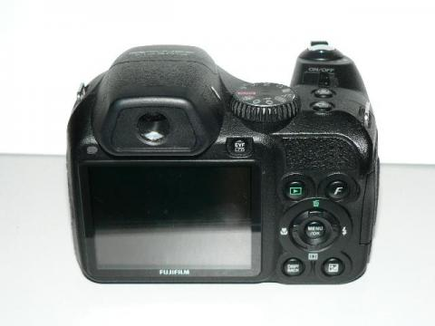 FinePix S2000HD モニター側