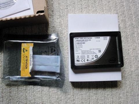 SSD本体とご対面