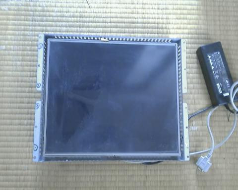 メーカー不明のタッチパネル液晶17インチ!表