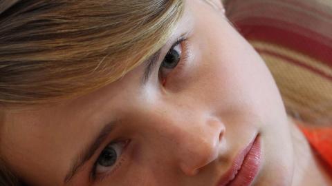 Canon EOS X7iサンプル画像から編集(3200 x 1800にトリミング)した原画像