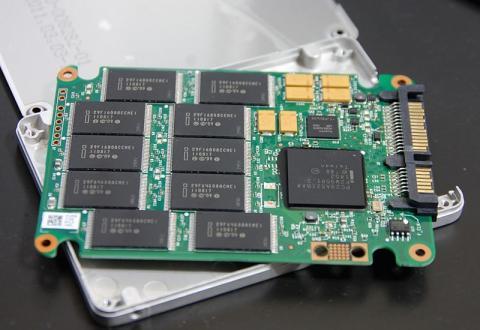 intel SSD 320表