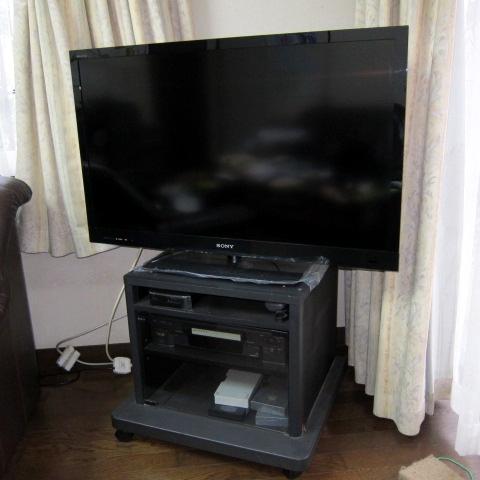 リビングにあるTV(結果的にコレに付けた).jpg