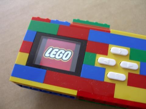 起動するとレゴのロゴが!