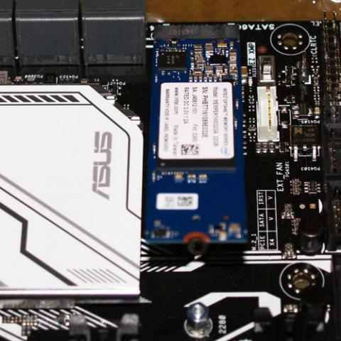 インテル(R) Optane(TM) メモリー・シリーズ (32 GB M.2 80 mm)